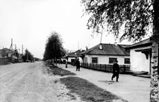 Pictures of Ukhta in 1950s. There are a few streets and stone buildings. Most part of the town is more like a village.